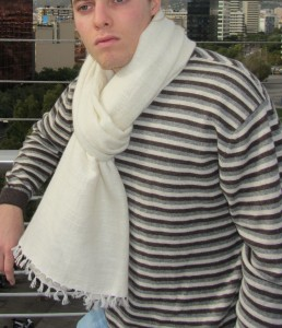 Stole-N-18-Natural-White-+-Sweater-TM-01-Stripe-126MB