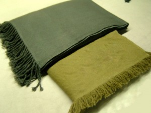 Twill-Blankets-with-hand-twisted-fringes-and-1inch-cut-fringes